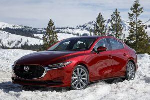 Непривычно восхитительная. Первый тест полноприводной Mazda 3
