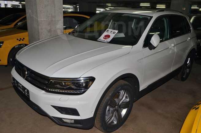 Volkswagen Tiguan, 2019 год, 2 210 400 руб.