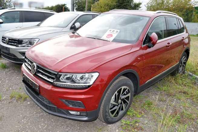 Volkswagen Tiguan, 2018 год, 2 031 300 руб.