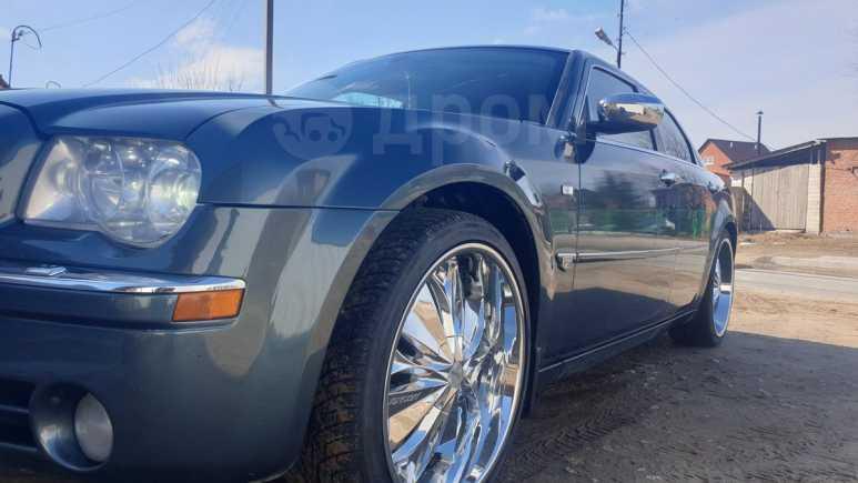 Chrysler 300C, 2006 год, 700 000 руб.