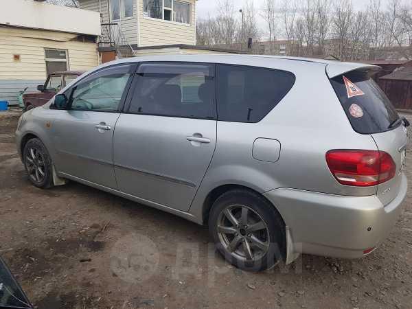Toyota Ipsum, 2002 год, 490 000 руб.