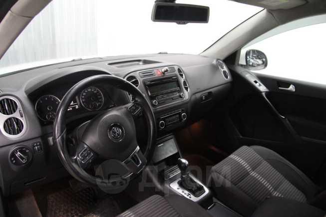 Volkswagen Tiguan, 2010 год, 697 000 руб.