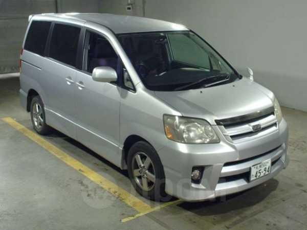 Toyota Noah, 2006 год, 345 000 руб.
