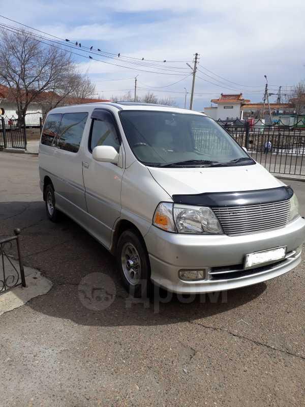 Toyota Granvia, 2000 год, 695 000 руб.