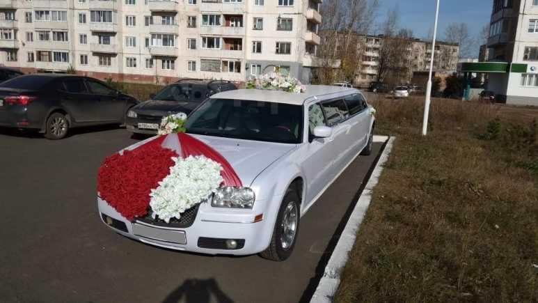 Chrysler 300C, 2004 год, 640 000 руб.