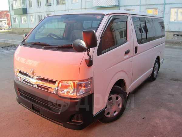 Toyota Hiace, 2012 год, 1 425 000 руб.