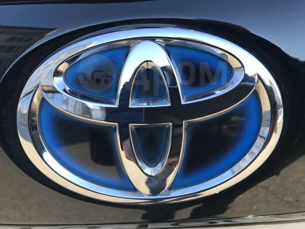 Toyota Prius a, 2011 год, 850 000 руб.