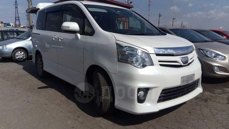 Toyota Noah, 2012 год, 1 259 000 руб.