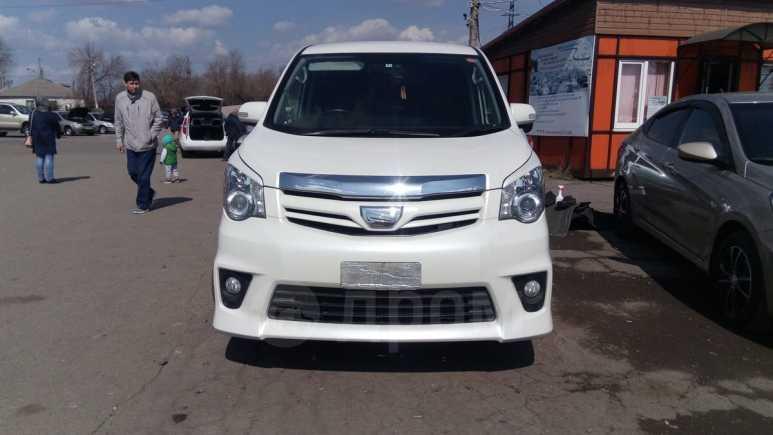 Toyota Noah, 2012 год, 1 230 000 руб.