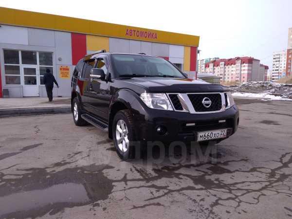 Nissan Pathfinder, 2010 год, 915 000 руб.