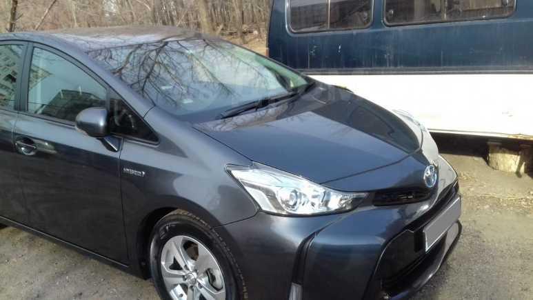 Toyota Prius a, 2015 год, 1 135 000 руб.
