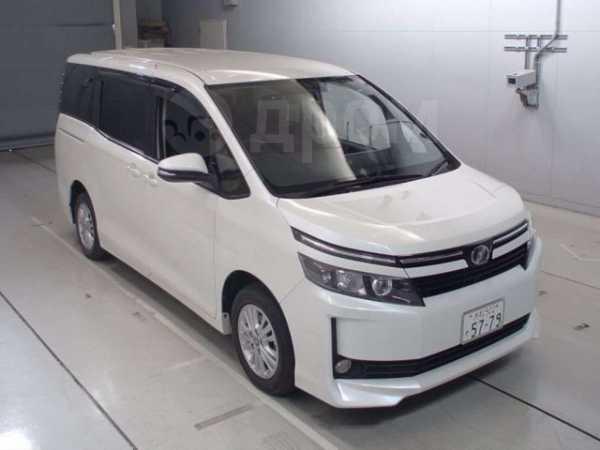 Toyota Voxy, 2015 год, 950 000 руб.