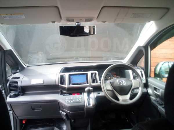 Honda Stepwgn, 2014 год, 1 000 000 руб.
