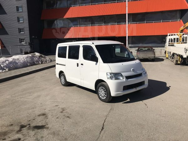 Toyota Town Ace, 2014 год, 725 000 руб.
