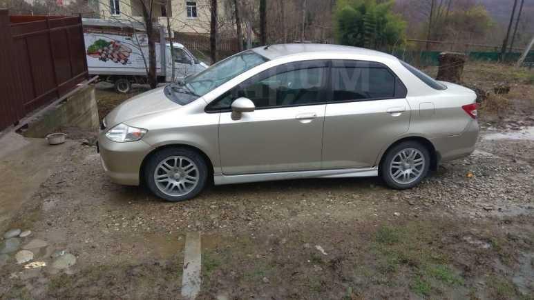 Honda Fit Aria, 2004 год, 260 000 руб.