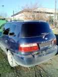 Kia Carens, 2003 год, 110 000 руб.