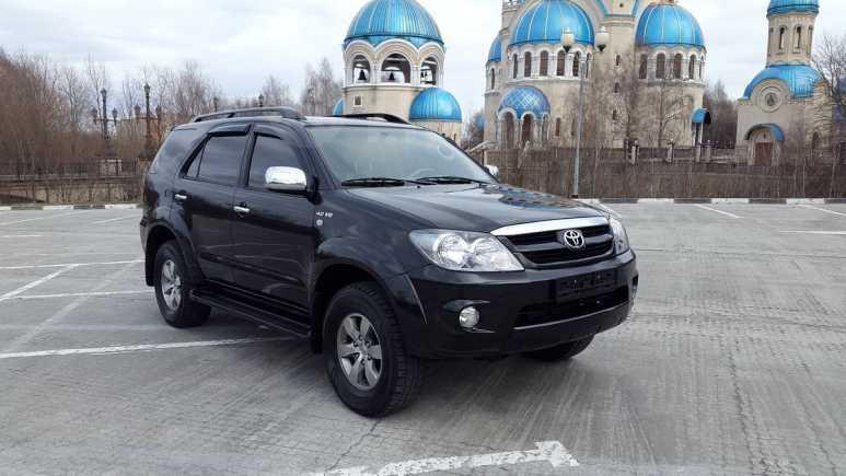 Toyota Fortuner, 2005 год, 1 210 000 руб.