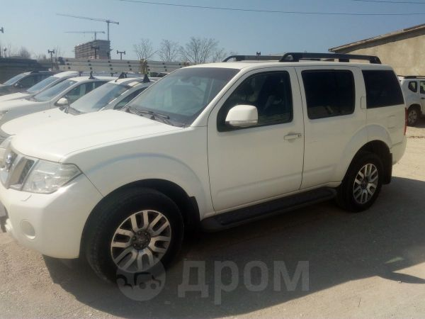Nissan Pathfinder, 2012 год, 700 000 руб.