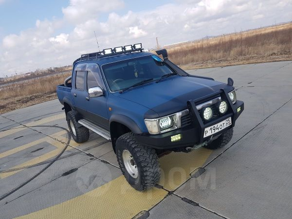 Toyota Hilux Pick Up, 1991 год, 900 000 руб.