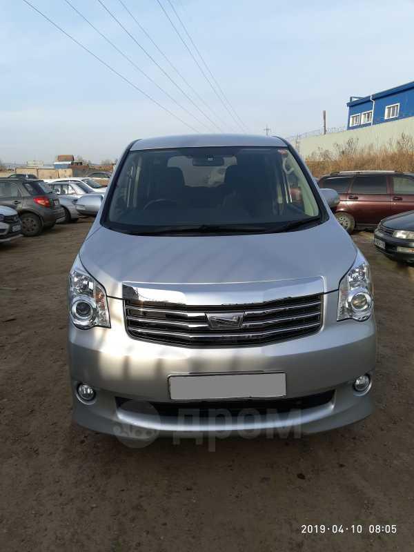 Toyota Noah, 2013 год, 1 170 000 руб.