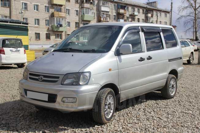 Toyota Town Ace Noah, 2001 год, 410 000 руб.