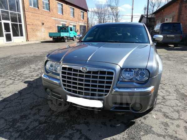 Chrysler 300C, 2005 год, 800 000 руб.