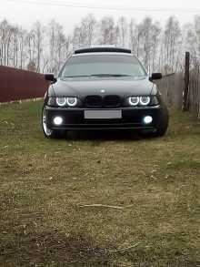 Красное BMW 5-Series 1996