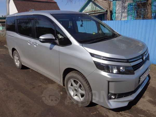Toyota Voxy, 2015 год, 1 250 000 руб.