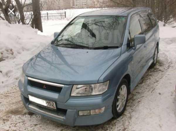 Mitsubishi Chariot Grandis, 2000 год, 445 000 руб.