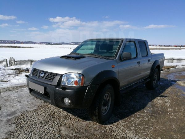Nissan NP300, 2014 год, 900 000 руб.