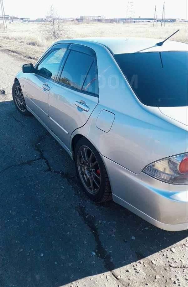 Toyota Altezza, 2002 год, 370 000 руб.