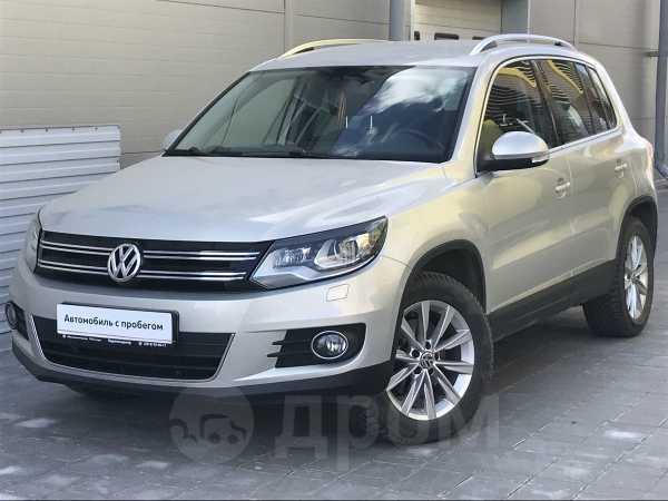 Volkswagen Tiguan, 2012 год, 960 000 руб.