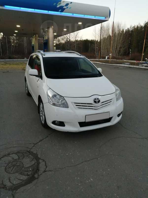 Toyota Verso, 2010 год, 810 000 руб.