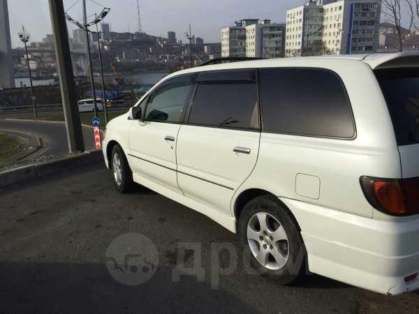 Nissan Bassara, 2001 год, 220 000 руб.