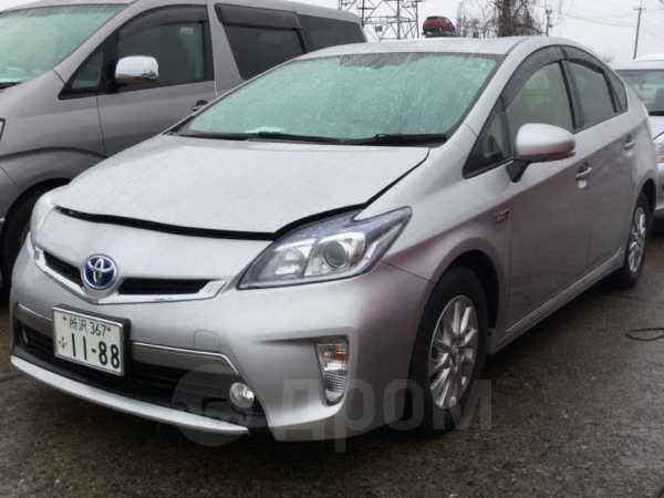 Toyota Prius PHV, 2014 год, 1 365 000 руб.