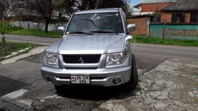 Mitsubishi Pajero iO, 2004 год, 420 000 руб.
