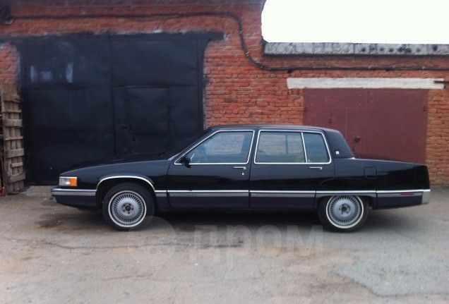 Cadillac Fleetwood, 1990 год, 300 000 руб.