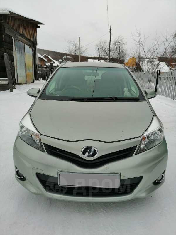 Toyota Vitz, 2012 год, 440 000 руб.