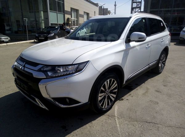 Mitsubishi Outlander, 2019 год, 1 828 500 руб.