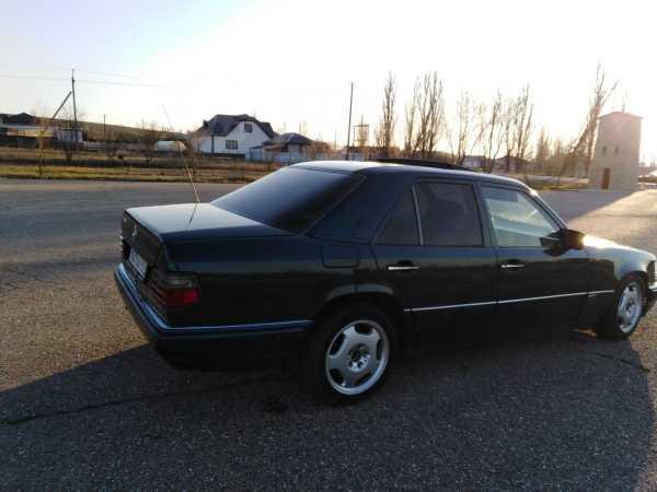 Mercedes-Benz E-Class, 1995 год, 160 000 руб.