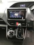 Toyota Esquire, 2014 год, 1 100 000 руб.