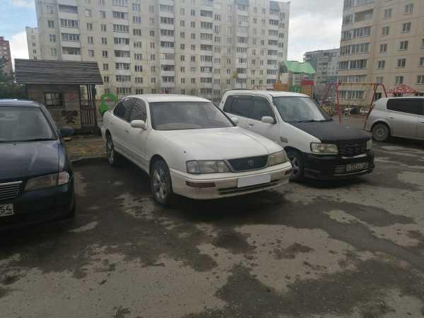 Toyota Avalon, 1995 год, 135 000 руб.