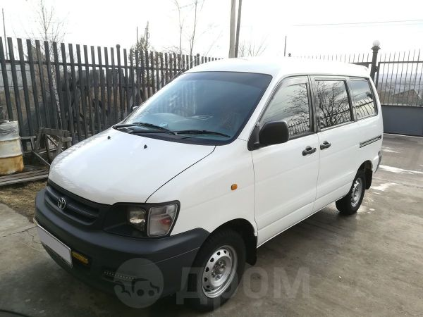 Toyota Town Ace, 2000 год, 295 000 руб.