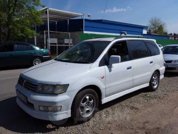 Mitsubishi Chariot Grandis, 2001 год, 297 000 руб.