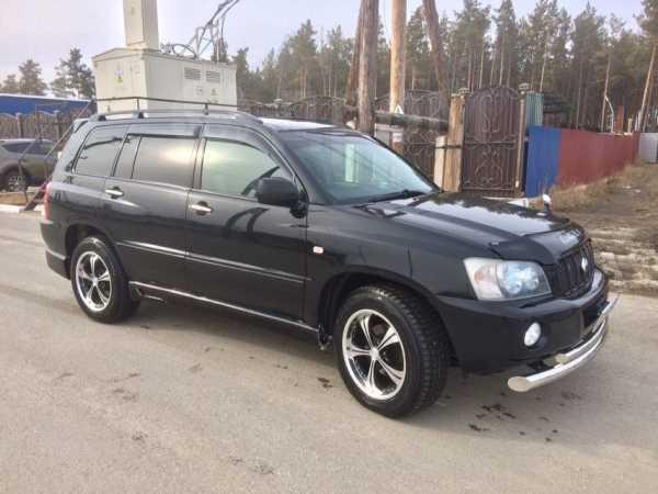 Toyota Kluger V, 2001 год, 620 000 руб.