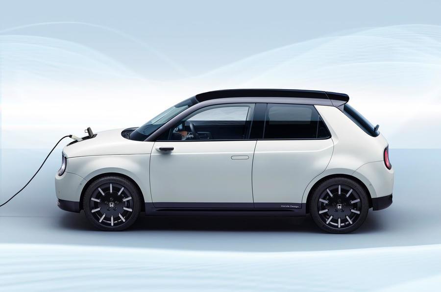 Стало известно, как будет называться серийный электрокар Honda с дизайном, как у «Айфонов»