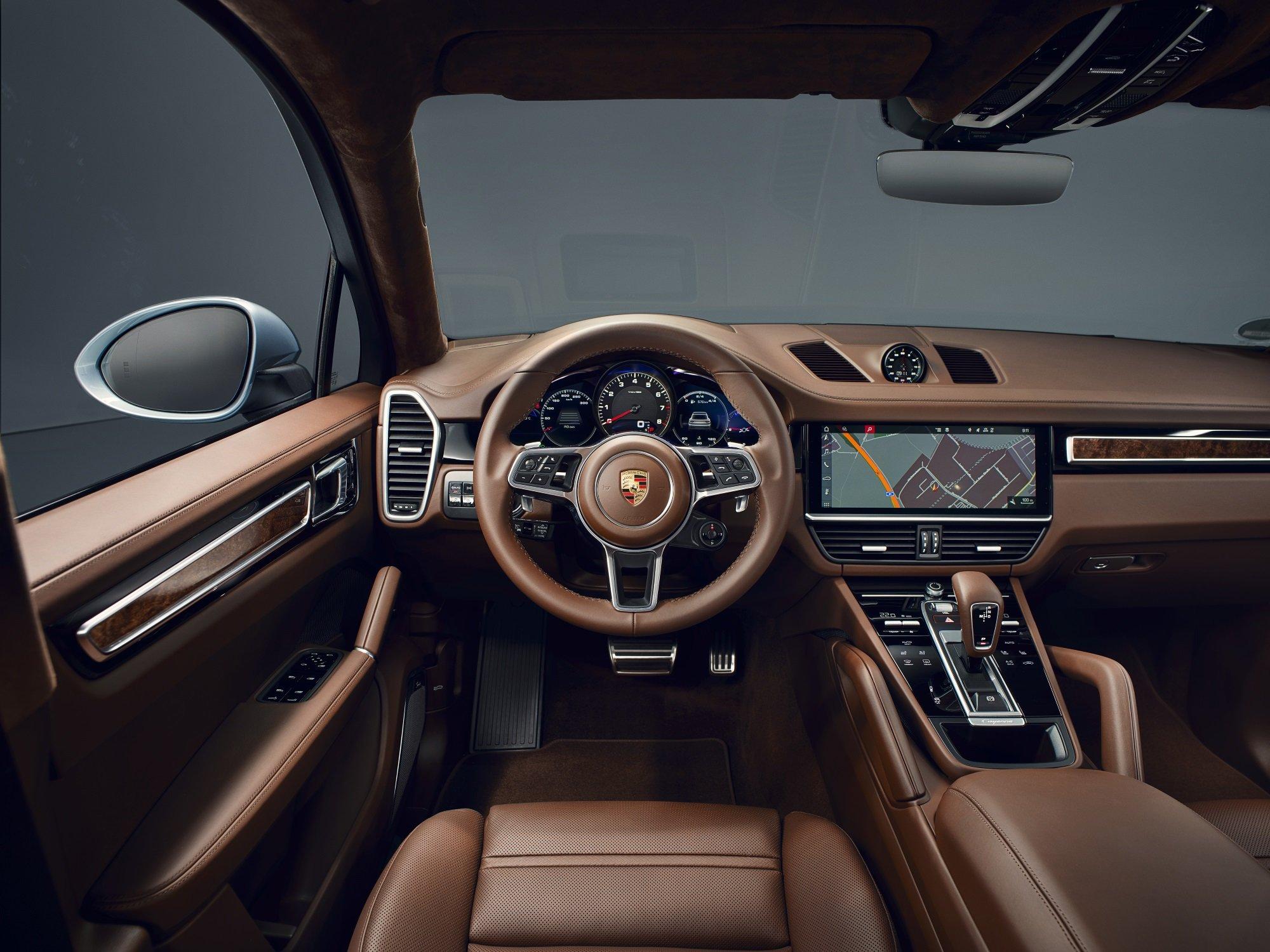 В России начался прием заказов на мощный Porsche Cayenne S Coupe