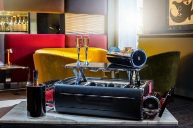 Новый винный шкаф от Rolls-Royce оказался дороже «пятерки» BMW