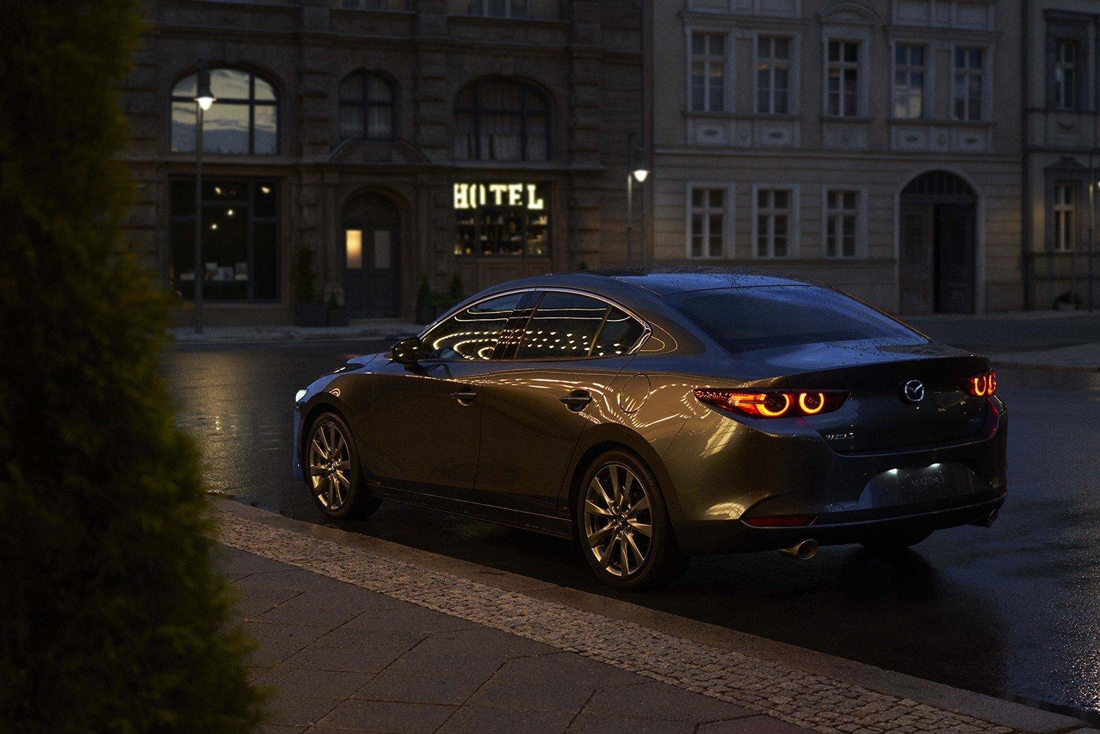 В Японии начали продавать новую Mazda 3