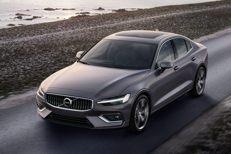 Volvo объявила цены нового седана S60: не дешевле немецких конкурентов